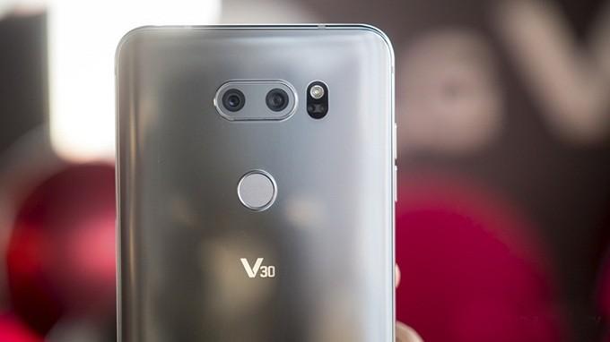 ĐIỆN THOẠI LG V30 HÀN QUỐC mới 99%