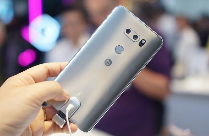 ĐIỆN THOẠI LG V30 XÁCH TAY HÀN QUỐC mới 99%