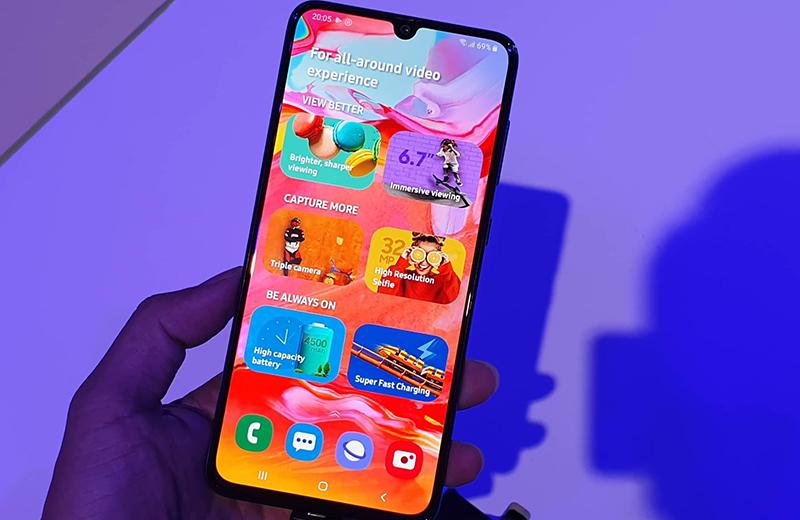 giá bán điện thoại Samsung Galaxy A70 1