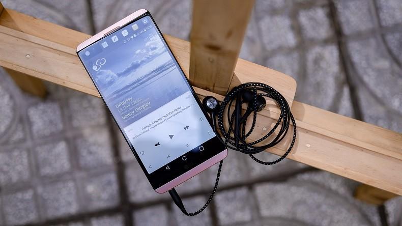 Tai nghe nhét trong LG V30 Chipset B&O Play chính hãng